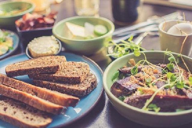 Jak zdravě a co nejlevněji vařit pro velkou rodinu